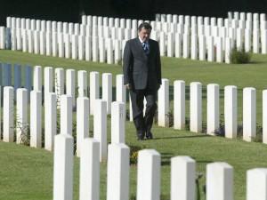 Gerhard Schröder gedenkt der Opfer des 2. Weltkrieges
