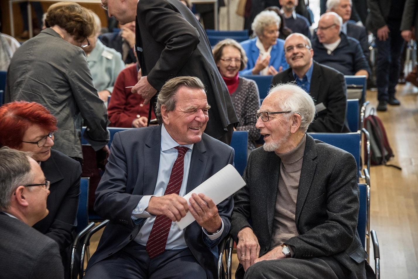 nach oben - Gerhard Schrder Lebenslauf