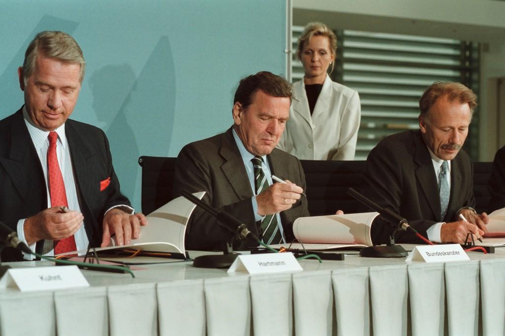 Hartmann, E.ON, Schroeder, Trittin, Unterschrift Energiekonsens